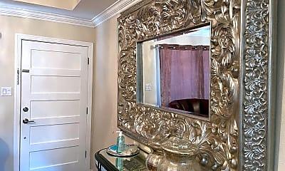 Bathroom, 1040 W Woodlawn Ave, 2