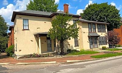 Building, 174 Reinhard Ave, 1