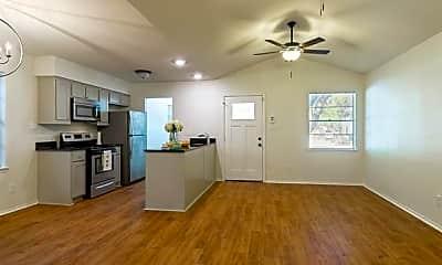 Living Room, 2707 Livingston Ave, 0