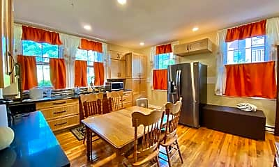 Dining Room, 220 Maple St, 2