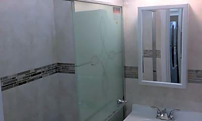 Bathroom, 84-25 Midland Pkwy, 1