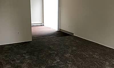 Living Room, 6839 N Fessenden St, 1