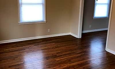 Living Room, 3920 Frederick St, 2