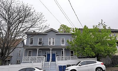 Building, 118 Pequonnock St, 2