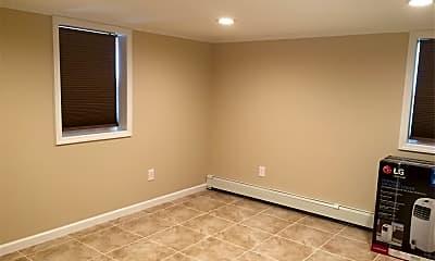 Bedroom, 504 E Chester St, 1