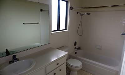 Bathroom, 534 Stockton St, 2