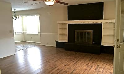 Living Room, 4005 Clearwell St, 1