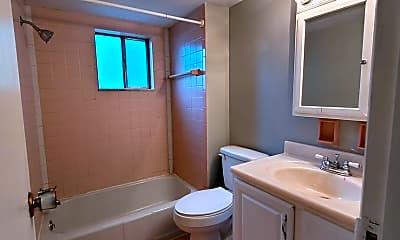 Bathroom, 404 Sweetbriar St, 2