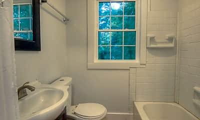 Bathroom, 905 W Rankin Ave, 2