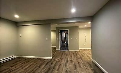 Living Room, 661 Douglas Ave, 2