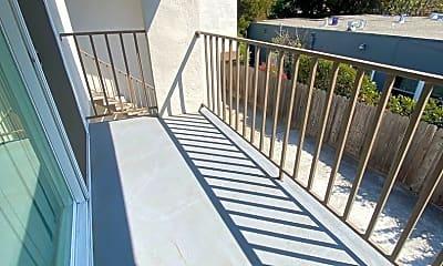 Patio / Deck, 1105 Capuchino Ave, 2