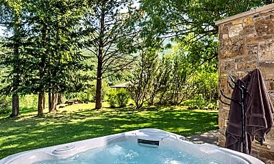 Pool, 1232 Mountain View Dr, 2