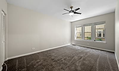 Living Room, 2410 N Kilbourn Ave 2, 1