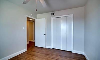Bedroom, 304 E Mitchell St 3, 2
