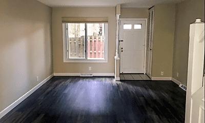 Living Room, 3220 N Bartlett Ave, 1
