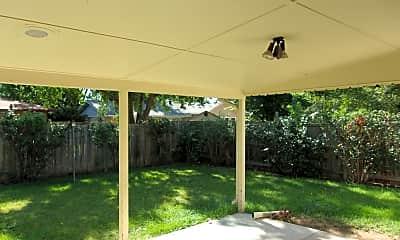 yard.jpg, 1324 Green St., 2