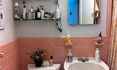 Bathroom, 16 Fuller St, 2