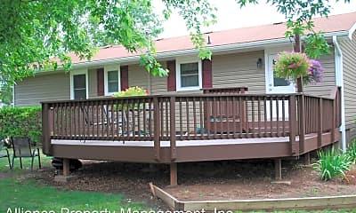 Building, 3427 Woods Dr, 1