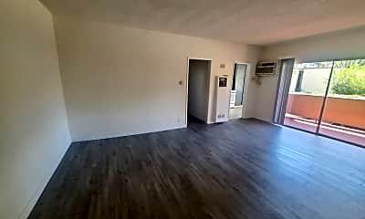 Living Room, 5433 Sepulveda Blvd, 2