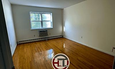 Living Room, 621 Logan Ave, 2