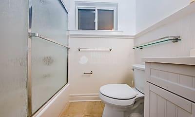 Bathroom, 4 Danvers St, 2