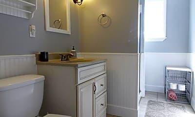 Bathroom, 196 Dorchester St, 2