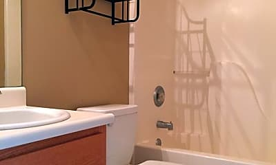 Bathroom, 814 King Arthur Dr, 2