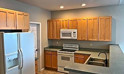Kitchen, 2113 S Fulton Cir, 1