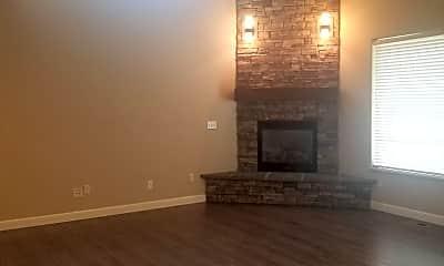 Living Room, 7212 W Chestnut Ave, 0