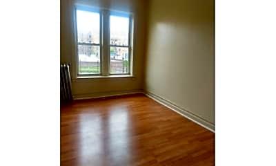 Living Room, 682 Crown St, 1