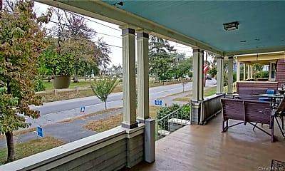 Patio / Deck, 70 Crown St 2, 1