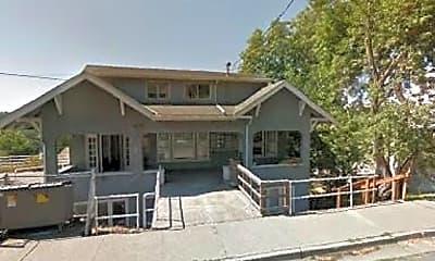 Building, 625 NE Oak St, 0