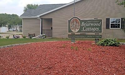 Briarwood Oshkosh, 1
