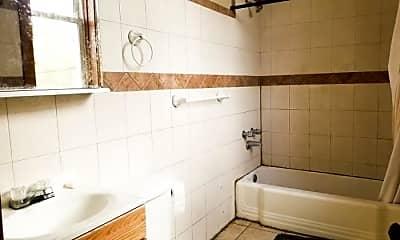 Bathroom, 1946 N Kimball Ave, 2