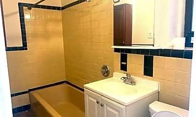 Bathroom, 40-37 77th St 3B, 2