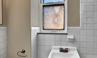Bathroom, 7315 Vermont Ave, 2