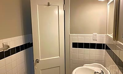 Bathroom, 1616 Pecan Ave, 2