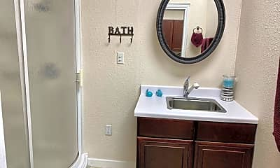 Bathroom, 5900 39th St, 2