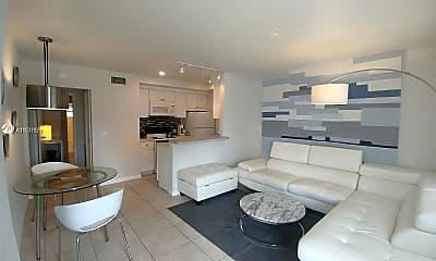 Living Room, 2209 NE 11th Ave 2213, 1