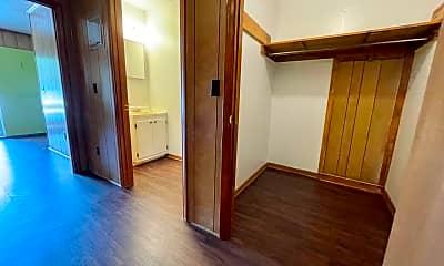 Living Room, 126 Weatherwood Ct, 1