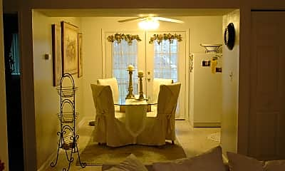 Dining Room, Evergreen Terrace Apartments and Townhomes, 1