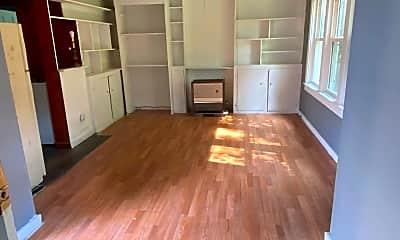 Living Room, 109 W Green St, 0