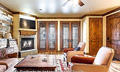 Living Room, 3157 Lower Saddleback Rd, 1
