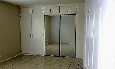 Kitchen, 5729 California Ave, 1