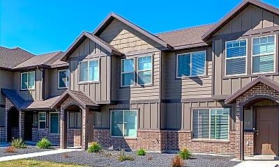 Building, 435 W 1400 N, 2