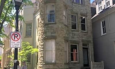 Building, 419 Warren Crescent, 0