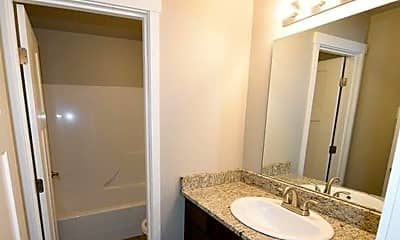 Bathroom, 1109 32nd St, 2