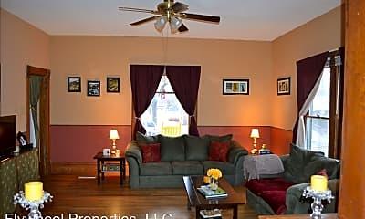 Living Room, 915 Dexter St, 0