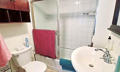 Bathroom, 322 Hamilton Ave, 2