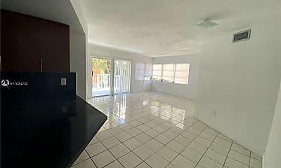 Living Room, 9390 E Bay Harbor Dr 8, 0